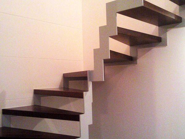 Kovové schody: vnútorné kovové schody